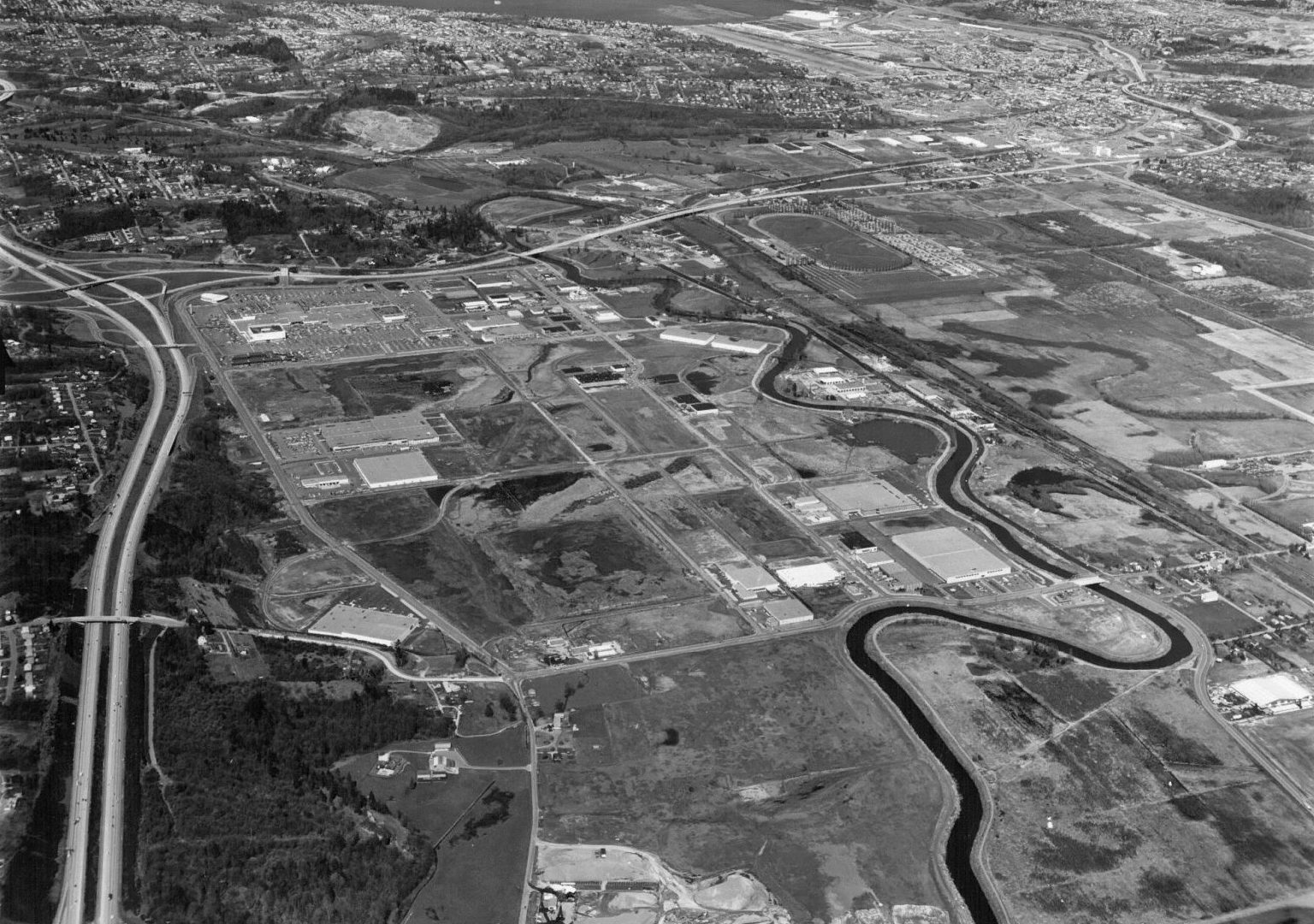 1971 black and white aerial view photo